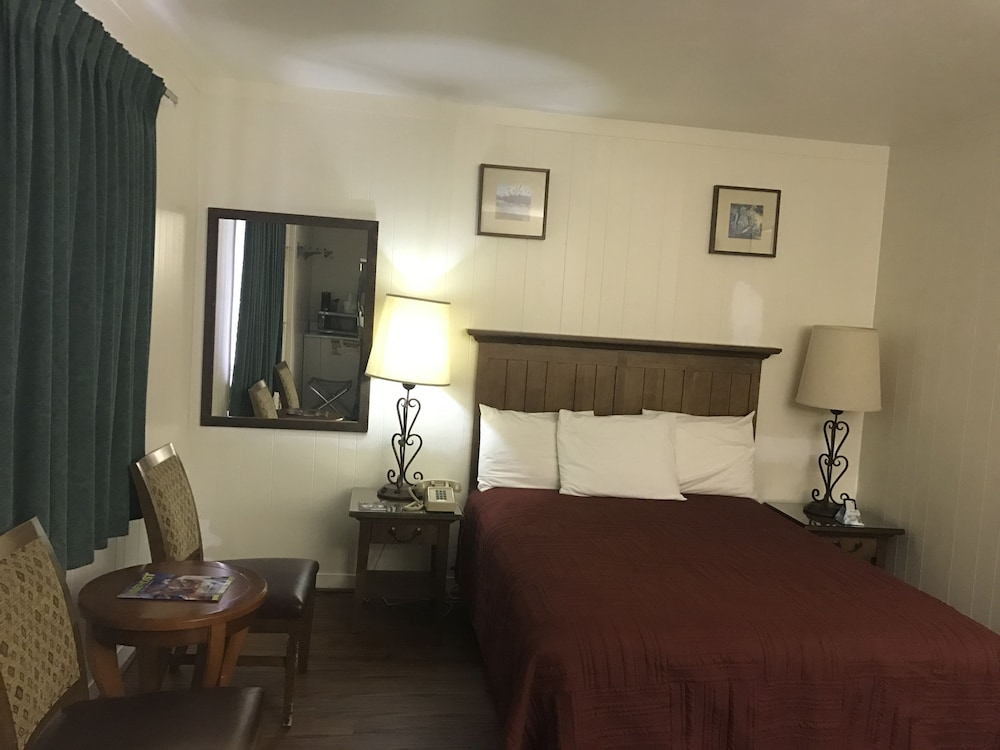 Room, Canyonlands Motor Inn
