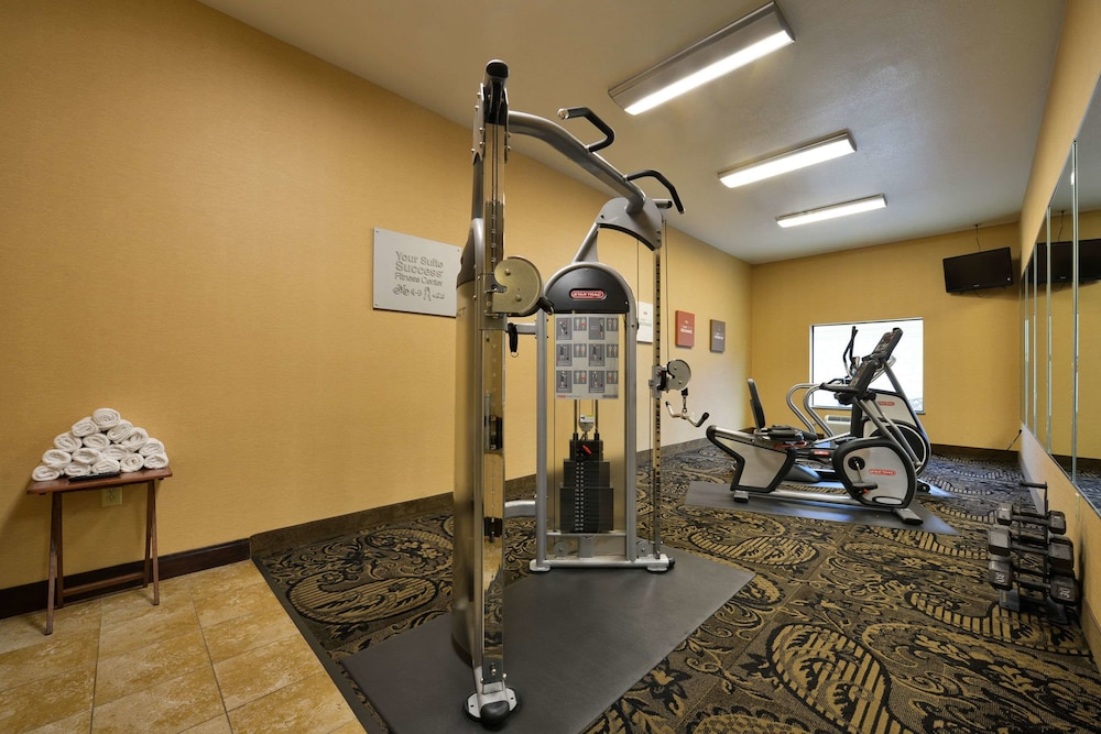 Fitness Facility, Comfort Suites Bay City