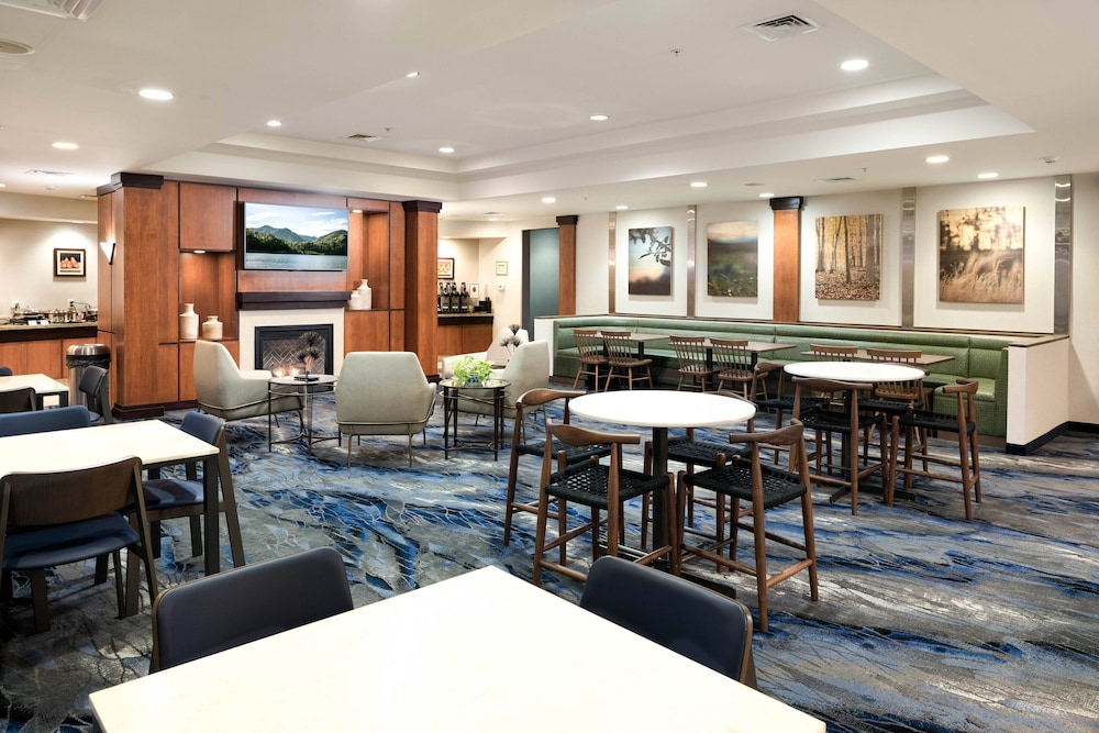 Restaurant, Fairfield Inn & Suites South Boston