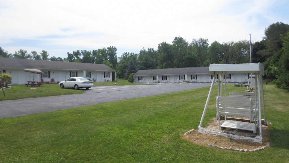 The Villager Motel Williamstown Ma