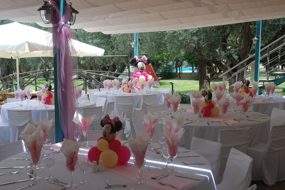 Outdoor Wedding Area, Florida Blue Bay Resort & Spa