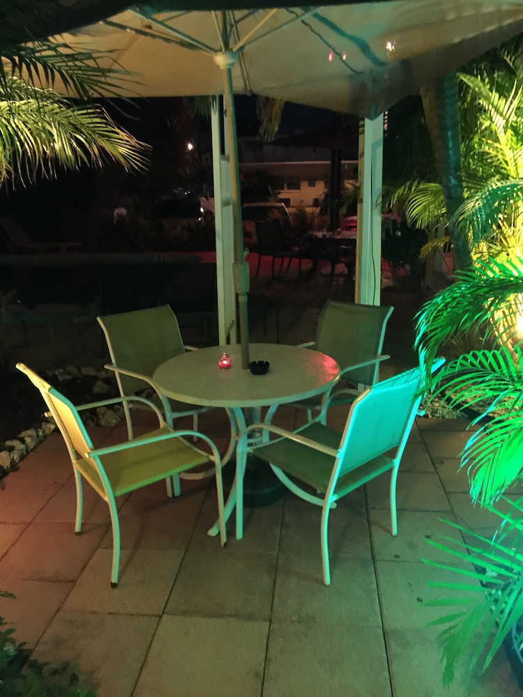 Terrace/Patio, Amber Tides Motel