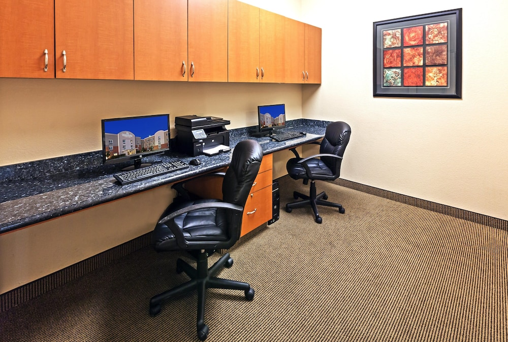 Business Center, Candlewood Suites Pearland