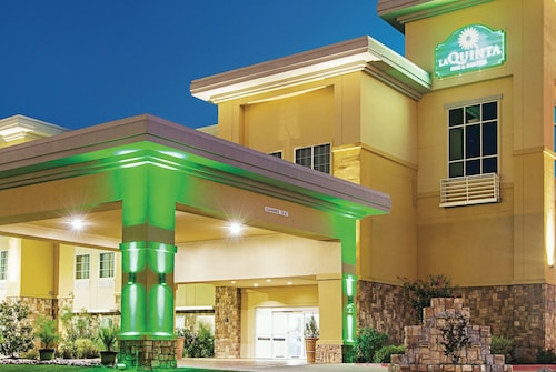 La Quinta Inn & Suites by Wyndham Ft. Worth - Forest Hill TX