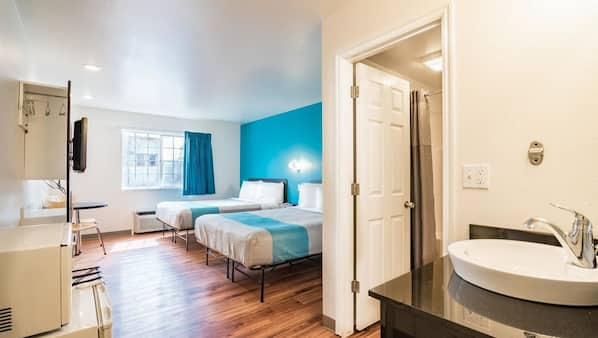 Pillowtop beds, blackout drapes, linens