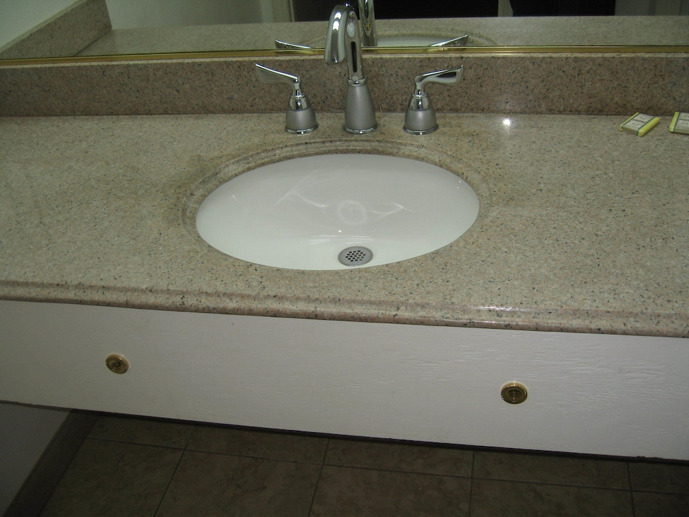 Bathroom Sink, Royal Inn Motel Long Beach