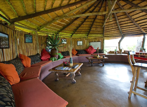 Featured Image, Umlani Bushcamp - Lodge