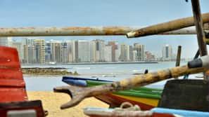 Una spiaggia nelle vicinanze, sabbia bianca, navetta per la spiaggia