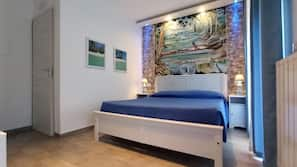 Frette Italian sheets, in-room safe, iron/ironing board, free WiFi