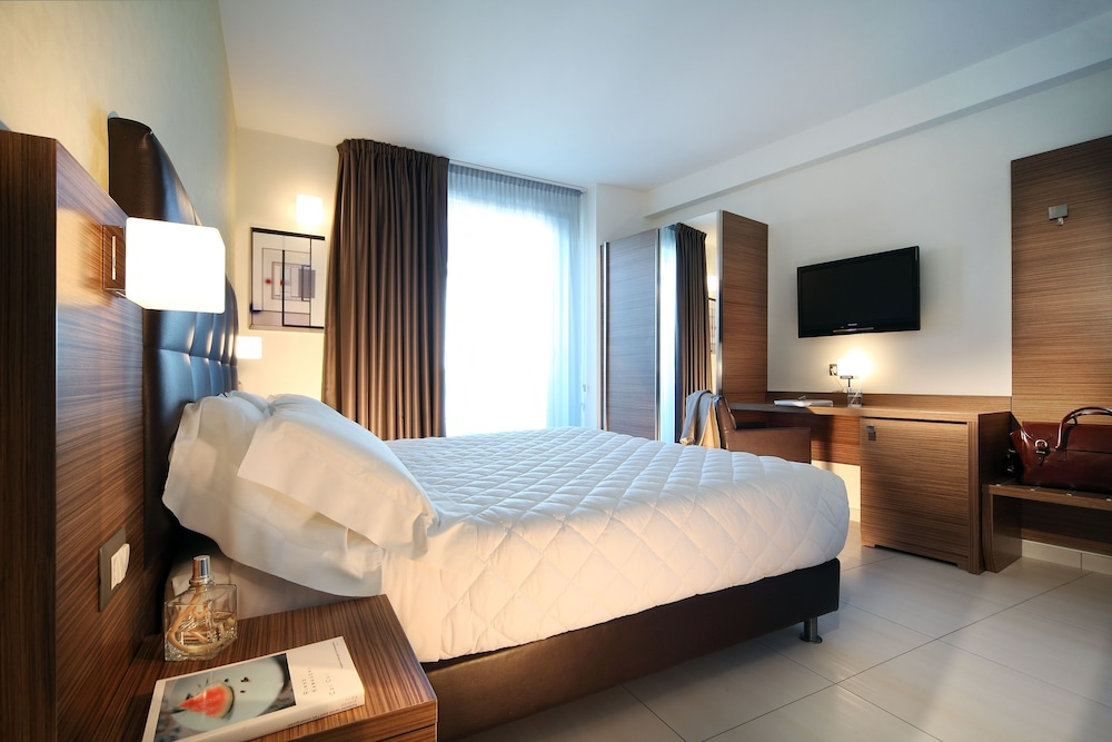 Aqua Hotel Rimini Room Rates