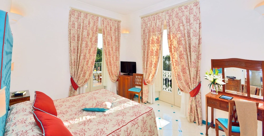 Vasca Da Bagno Amalfi Prezzo : Hotel residence amalfi amalfi italia expedia