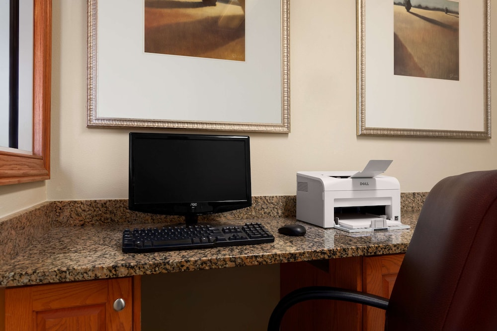 Business Center, Country Inn & Suites by Radisson, Tifton, GA