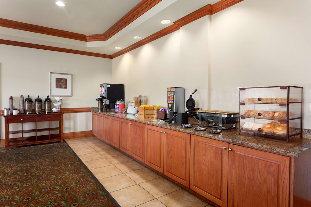 Breakfast Area, Country Inn & Suites by Radisson, Tifton, GA