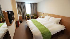 In-room safe, laptop workspace, blackout curtains, iron/ironing board