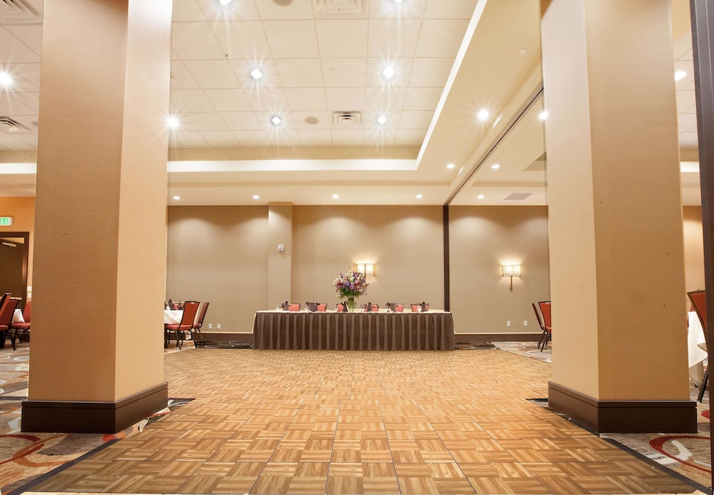 Ballroom, Embassy Suites Palmdale