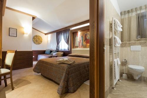 Hotel Ristorante La Terrazza: 2018 Room Prices from $79, Deals ...