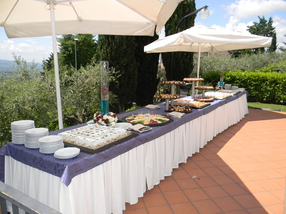 Hotel Ristorante La Terrazza Deals & Reviews (Assisi, ITA) | Wotif