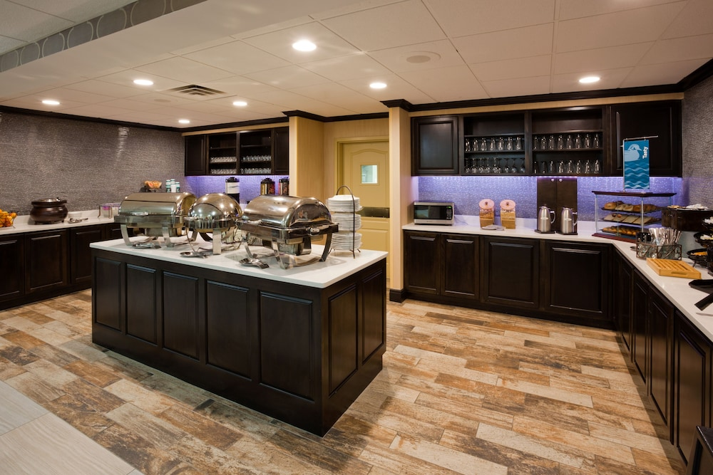 Breakfast buffet, Homewood Suites by Hilton St. Cloud