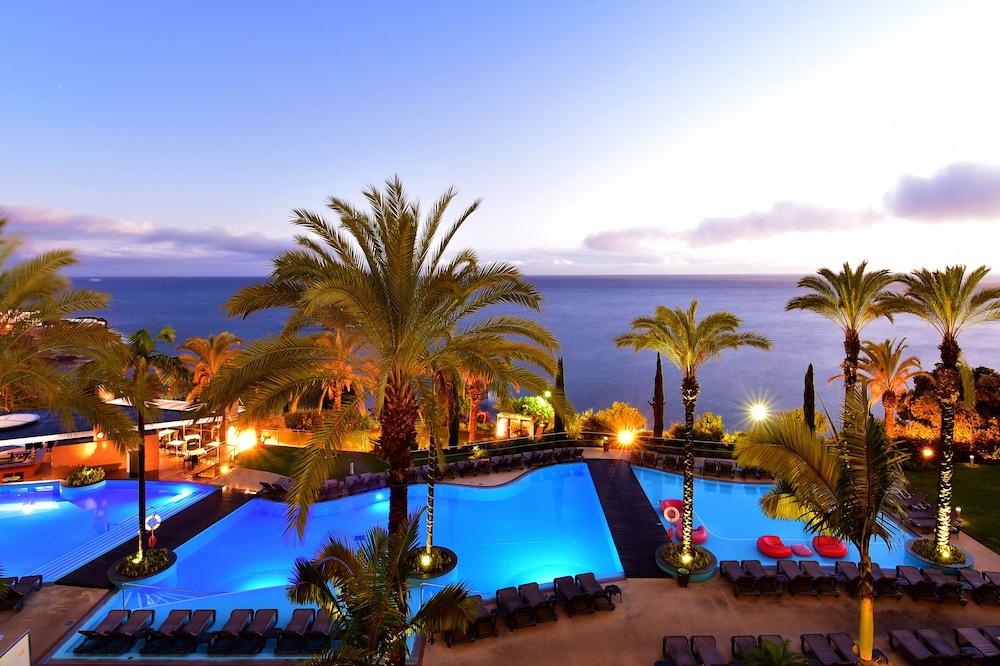 Ocean Promenade Hotel Reviews