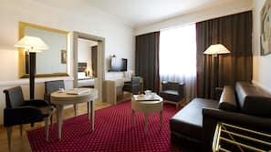 Luxe beddengoed, donzen dekbedden, een kluis op de kamer