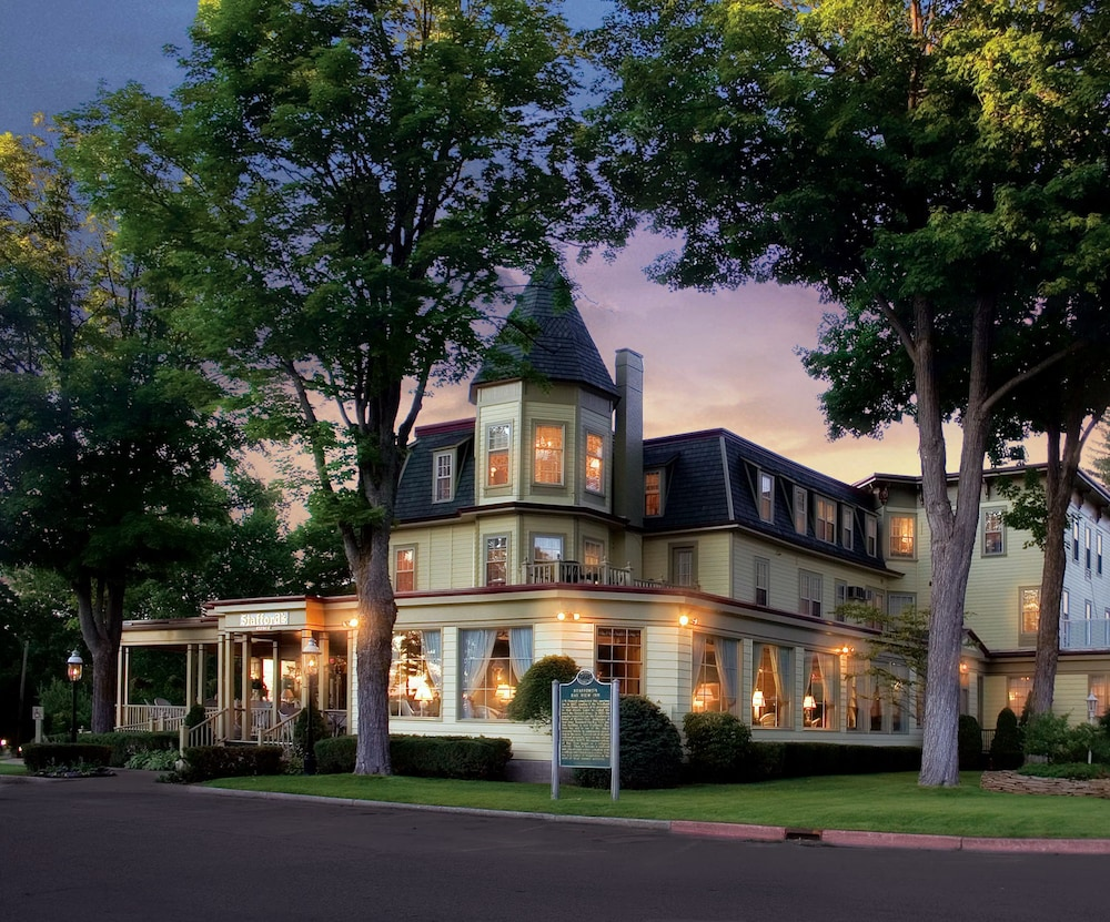 Featured Image, Stafford's Bay View Inn