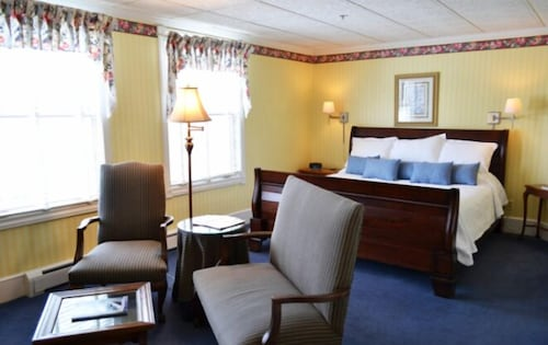 Room, Stafford's Bay View Inn