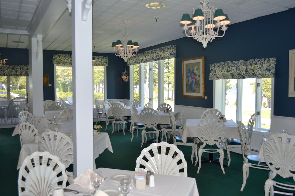 Restaurant, Stafford's Bay View Inn