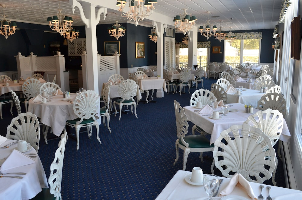 Dining, Stafford's Bay View Inn