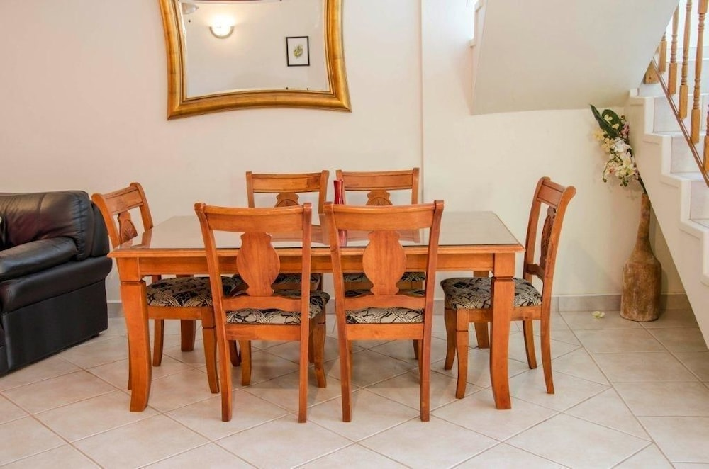 In-Room Dining, HBK Villa Rentals at Jolly Harbour