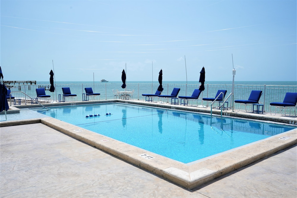 Outdoor Pool, Glunz Ocean Beach Hotel & Resort