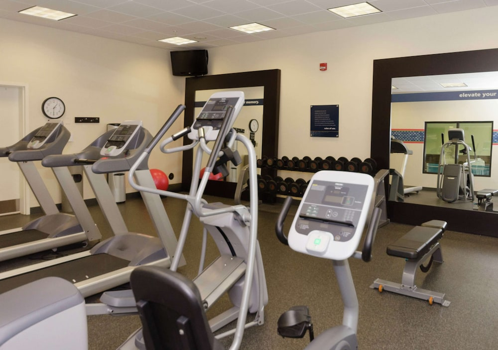 Fitness Facility, Hampton Inn Hickory