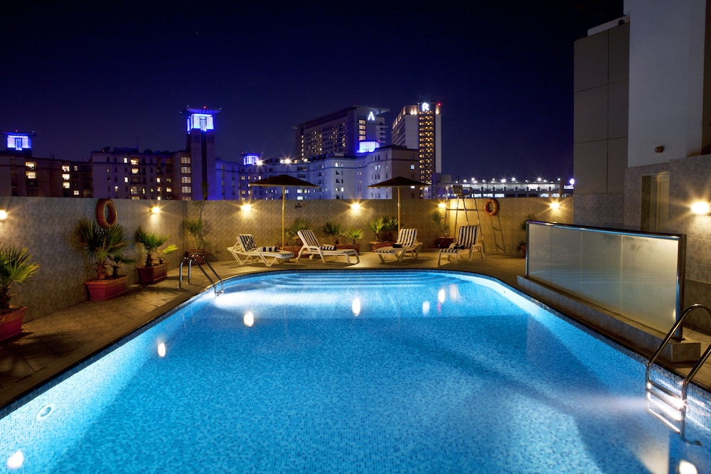 Book landmark hotel riqqa dubai hotel deals for Dubai hotel deals
