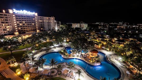 7 outdoor pools, pool cabanas (surcharge), pool umbrellas