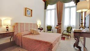 Egyptiske bomuldslagner, premium-sengetøj, minibar, pengeskab