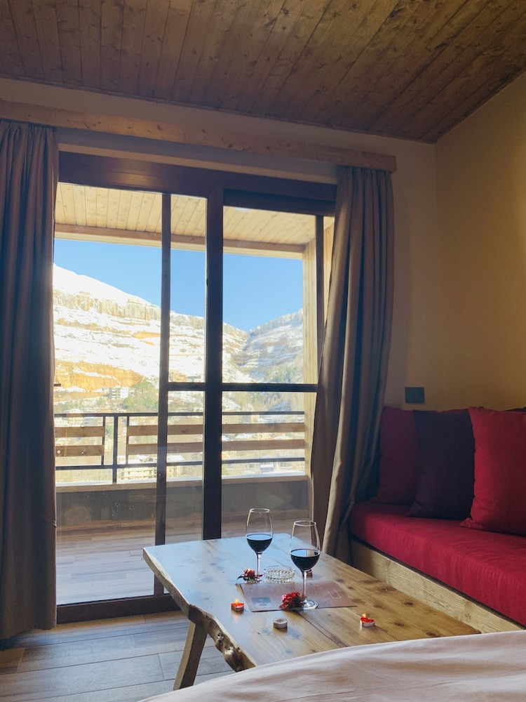 Living Area, Faraya Village Club