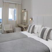 Manoulas Beach Mykonos Resort