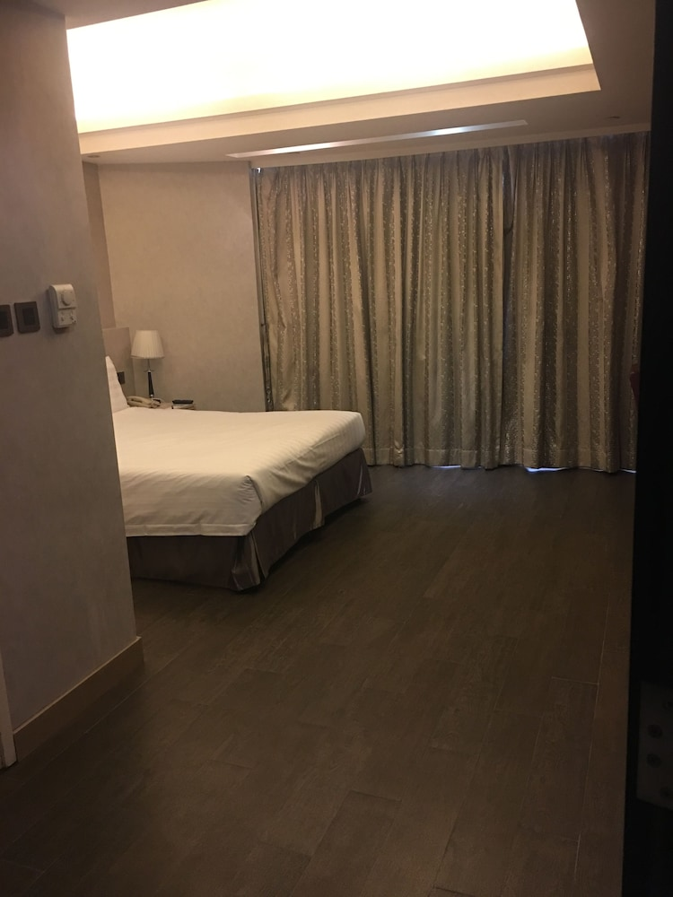 Wifi boutique hotel 2017 room prices deals reviews for Boutique hotel 74