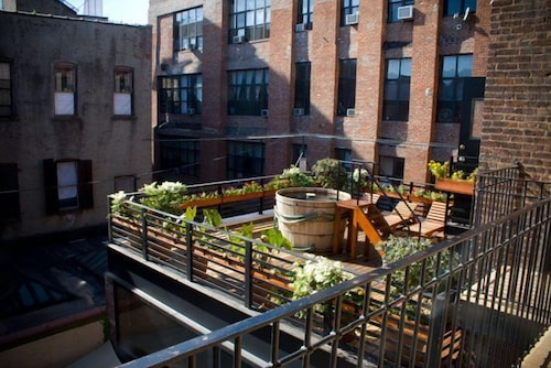 Terrace/Patio, The New York Loft Hostel