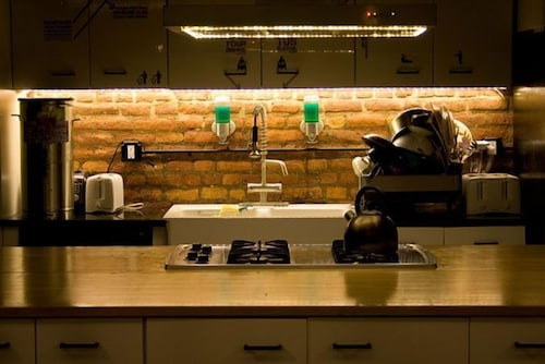 Private Kitchen, The New York Loft Hostel