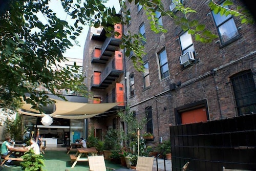 Courtyard, The New York Loft Hostel