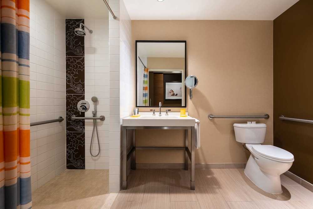 Bathroom, JW Marriott Los Angeles L.A. LIVE