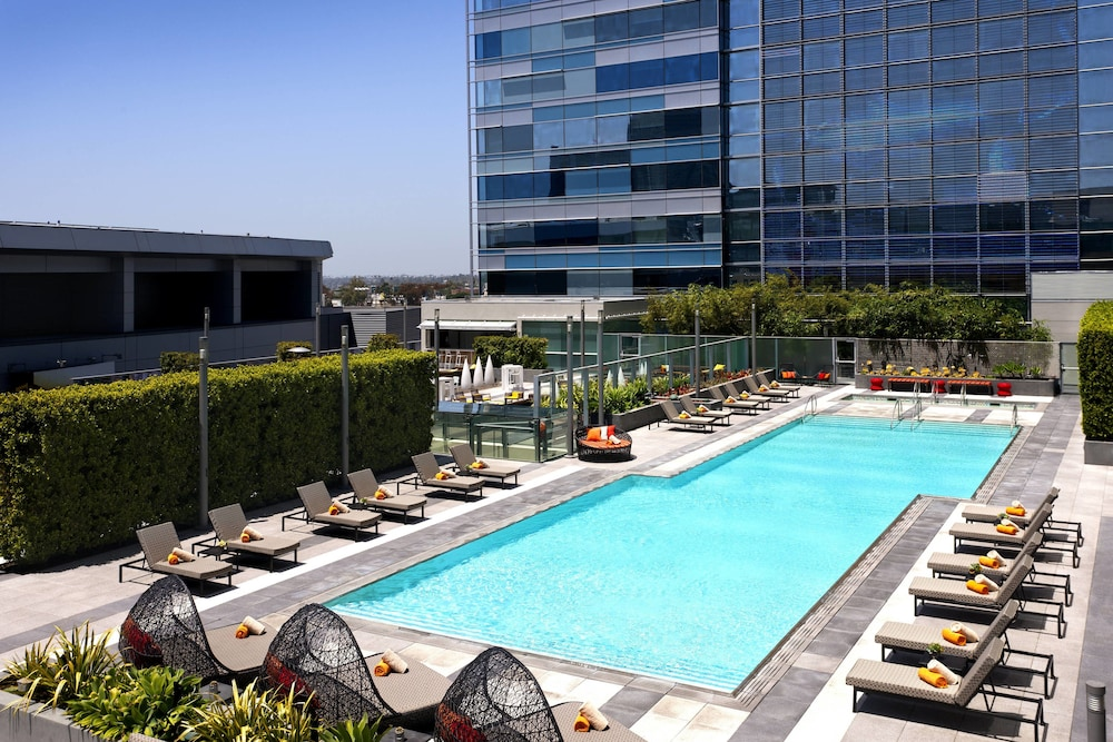 Outdoor Pool, JW Marriott Los Angeles L.A. LIVE
