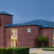 Super 8 by Wyndham Farmers Branch/North Dallas