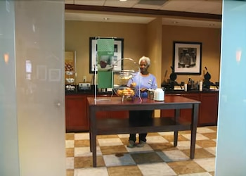 Breakfast Area, Hampton Inn & Suites Jacksonville - Beach Blvd/Mayo Clinic