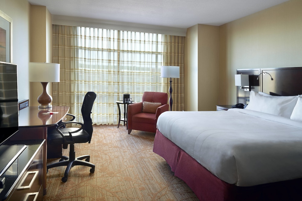 Room, Bloomington-Normal Marriott Hotel & Conference Center