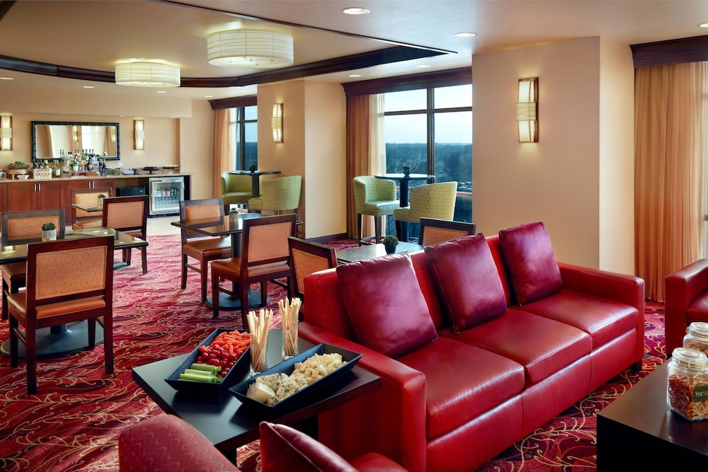 Bar, Bloomington-Normal Marriott Hotel & Conference Center