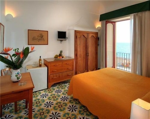 La Caravella Positano Beach Residence 0 Out Of 5 Exterior Featured Image Guestroom
