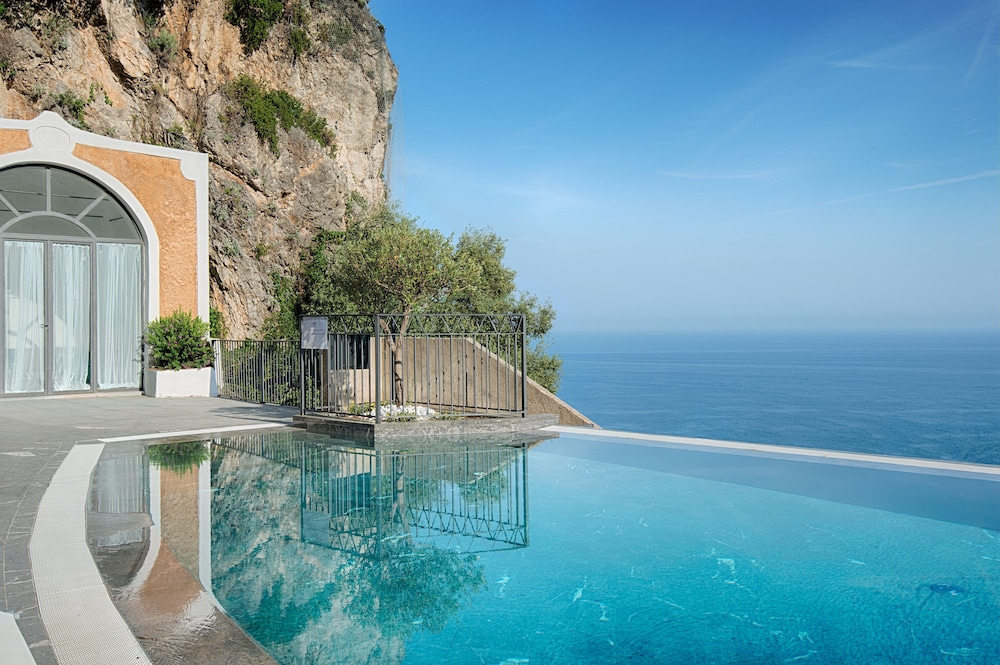 Infinity Pool, NH Collection Grand Hotel Convento di Amalfi