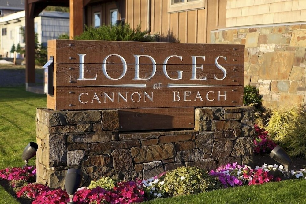 Exterior detail, Lodges At Cannon Beach