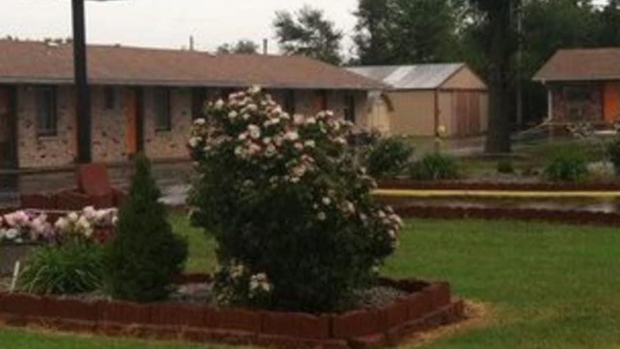 C&H Motel El Dorado Springs